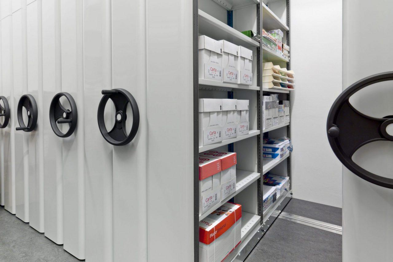 EAB mobila och rörliga hyllor för lager och lagerhyllor